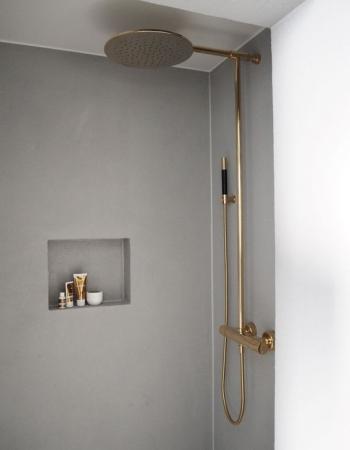 Accesorios ducha en dorado_via recentlytheblog.com