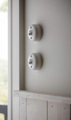 Interruptores vintage de porcelana_via howdens.com