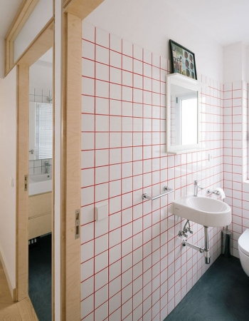 Juntas en rojo_diseño de PYO Arquitectos y foto de Imagen Subliminal
