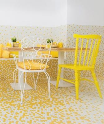 Mosaicos en paredes y suelo - de Estudio Arze con Hisbalit (en Valentinas&Coffee)